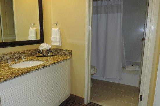 The Kinney: bathroom
