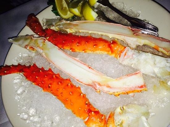 Morton's The Steakhouse: Crab legs