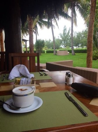Laguna Suites Golf & Spa: missing this quiet tranquility/view from the restaurant
