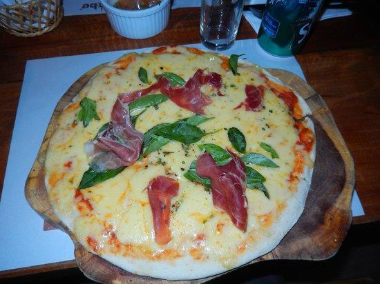 Adobe: Pizza de Jámon serrano
