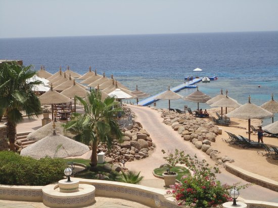 Hyatt Regency Sharm El Sheikh Resort: View of the pontoon