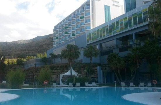 DoubleTree by Hilton Hotel Resort & Spa Reserva del Higueron: Piscine