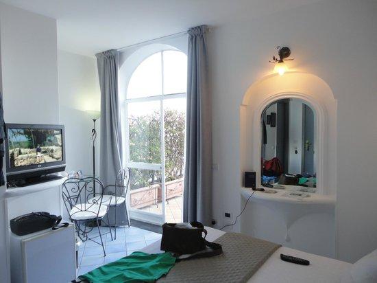 Positano Art Hotel Pasitea: habitacion luminosa