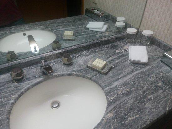 Hilton Izmir: toilet