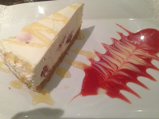 Fusion Restaurant & Loungebar: Dessert - yummi cheesecake