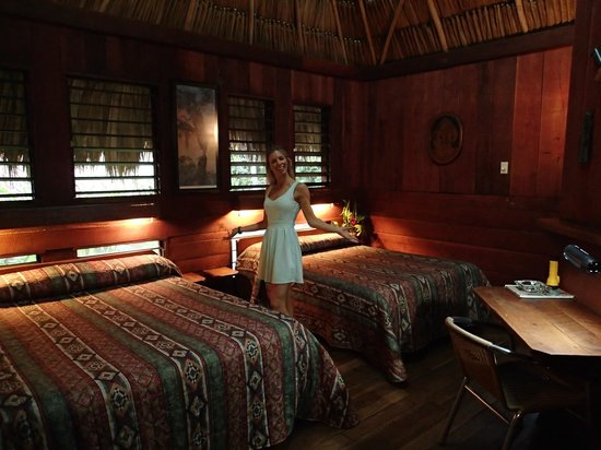 Lamanai Outpost Lodge: The large bedroom...
