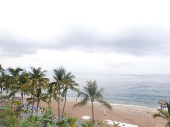 Playa Los Arcos Hotel Beach Resort & Spa: view from living and bedroom of 442