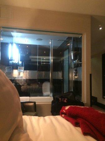 London City Suites By Montcalm : Bathroom