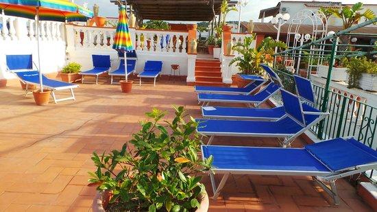Hotel San Vincenzo Terme: Zona solarium