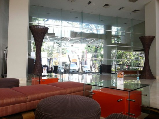 The Luxton Bandung: Hotel entrance.