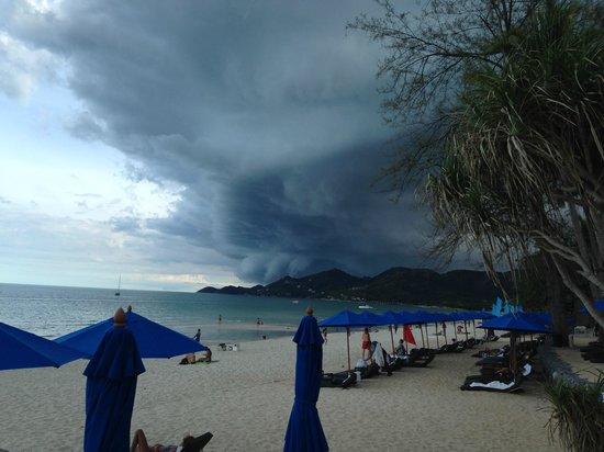 OZO Chaweng Samui: Storms coming!