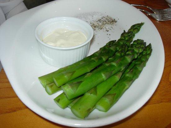 Pebble Beach Restaurant: Asparagus with mayonnaise