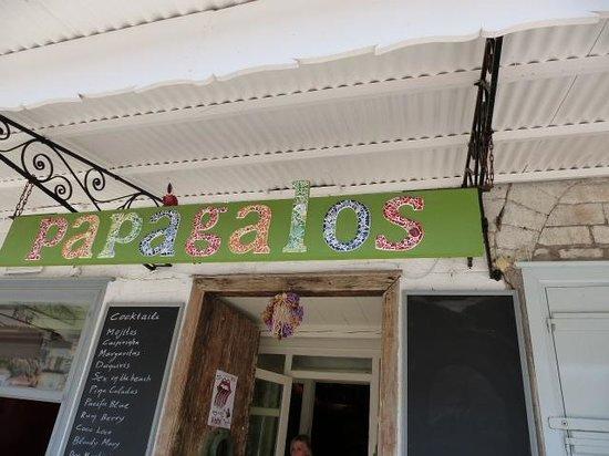 Papagalos Restaurant: La bannière