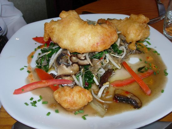 Pebble Beach Restaurant: Half lobster tempura