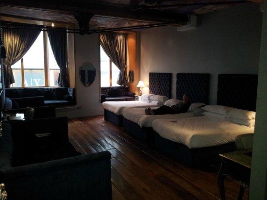 Signature Living Hotel: Bedroom