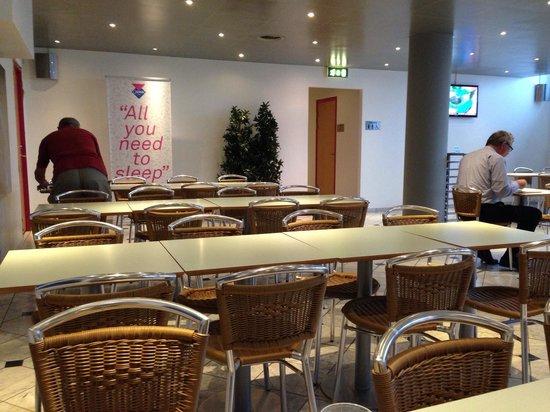 Cabinn City Hotel : Salão do café da manhã