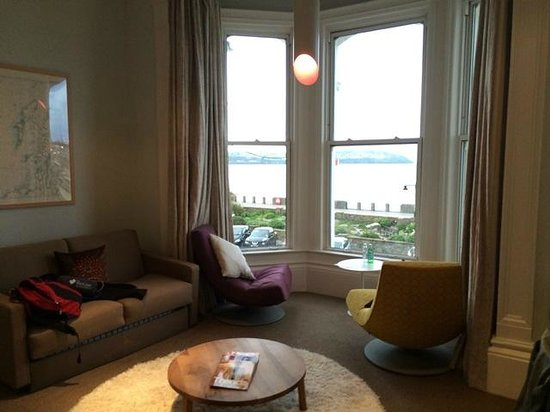 The Claremont Hotel: sea view/sitting area