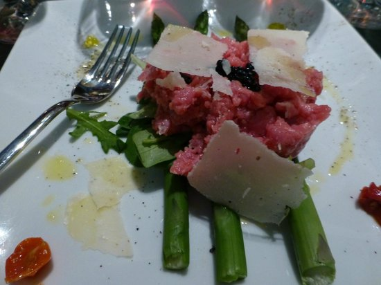 Enoteca Pitti Gola e Cantina : Anybody who knows me knows I love raw meat!