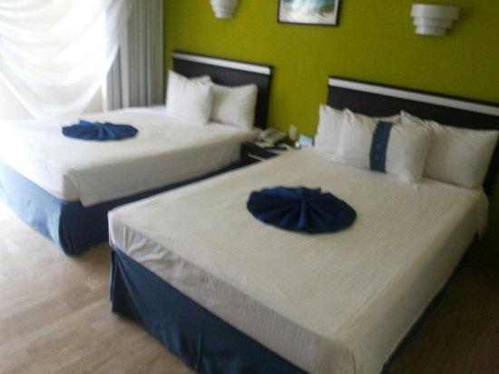 Aquamarina Beach Hotel: Habitación doble frente al mar