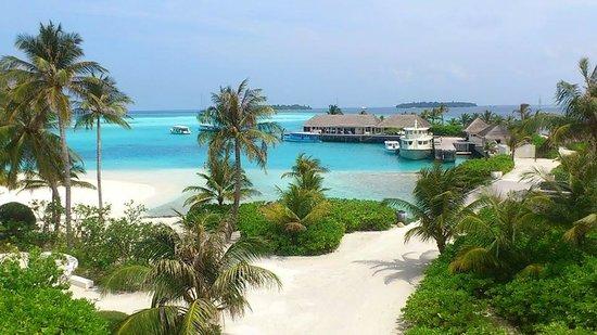 Holiday Inn Resort Kandooma Maldives : View from the Sunset Bar