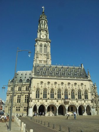 place des h ros et h tel de ville picture of grand place arras tripadvisor. Black Bedroom Furniture Sets. Home Design Ideas