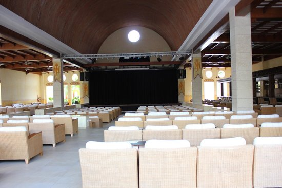 Excellence Playa Mujeres: Entertainment venue