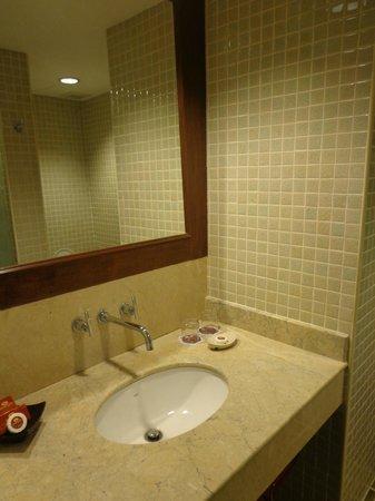 Duangjitt Resort & Spa: Bathroom