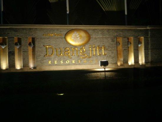 Duangjitt Resort & Spa royal entrance