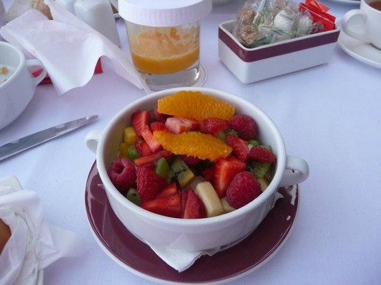 Hôtel & Ryads Barrière Le Naoura Marrakech : les fruits frais commandés pour le petit déjeuner
