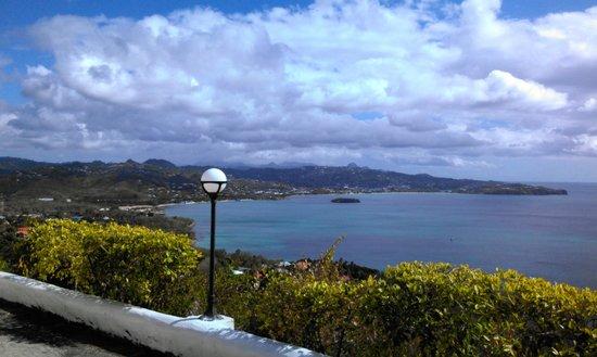 Windjammer Landing Villa Beach Resort: View from the top of cliff