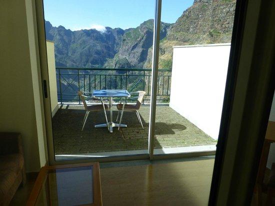 Eira do Serrado Hotel & SPA: La chambre a un balcon et une véranda fermée, très agréable