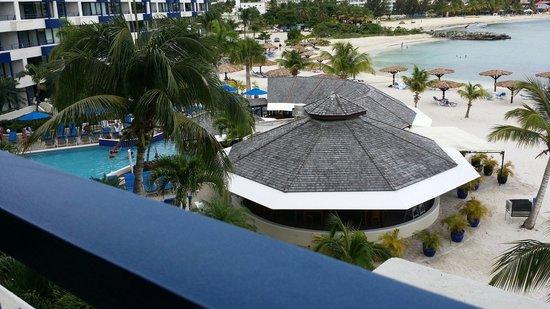 Royal Palm Beach Resort: Balcony view
