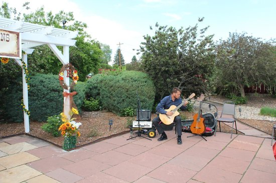 Gabriel's: outside patio. private musician Michael Lancaster