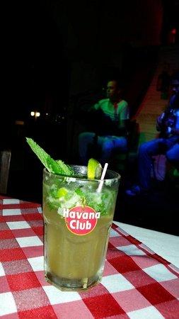 Ernest & Fidel Cafe: Cuban rum.... Mojito