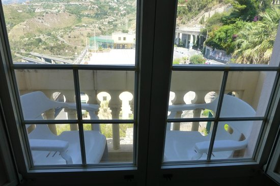 Excelsior Palace Hotel: Small balcony