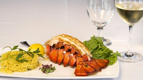 Crow's Nest Marina Restaurant & Tavern: Cold Water Lobster Tail