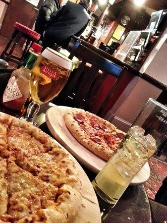 PubLove at The Steam Engine: hostel, pizza, albergue, londres, london, drinks, trip, travel, viagem, eurotrip