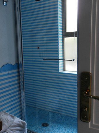 Le Agavi Hotel: double shower with two rainheads-nice!