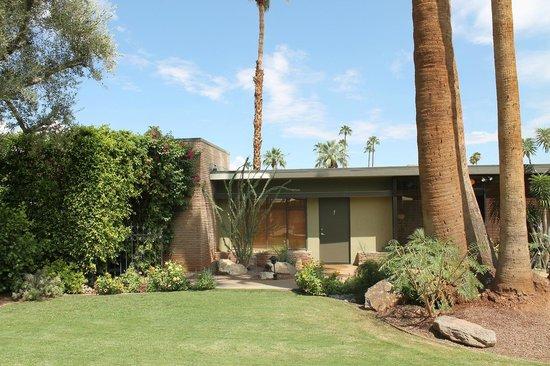 Desert Riviera Hotel: Lovely retro design