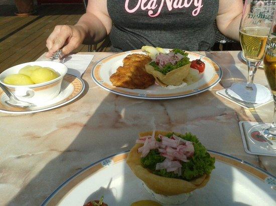Restaurant Birkenhof: Schnitzel mit Spargel
