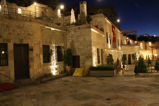 Dere Suites Cappadocia: Vista exterior del Hotel
