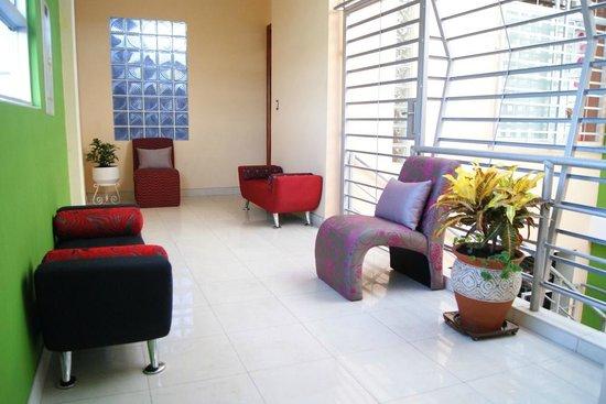 Delfin Amazonico Suites: Sala al aire libre.