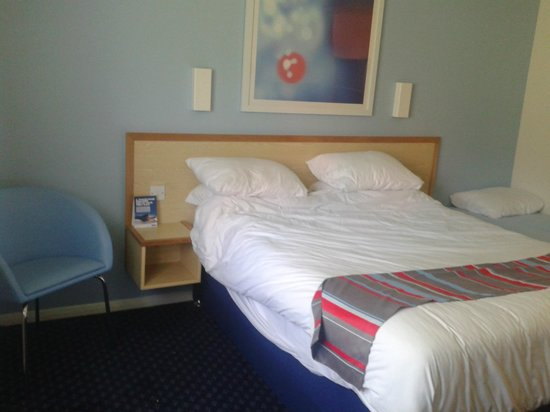 Travelodge Yeovil Podimore: doubled bed