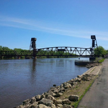 Historic Downtown: Mississippi River at Hastings