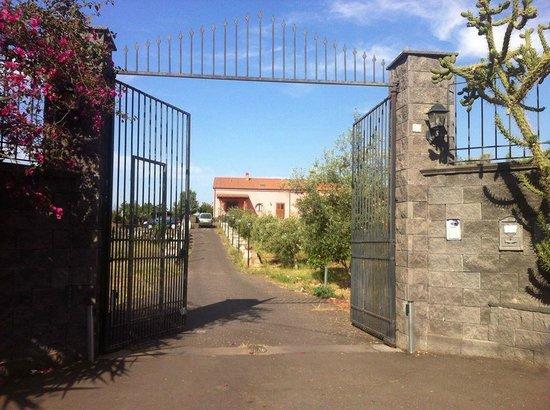 La Circumetnea: Entrance