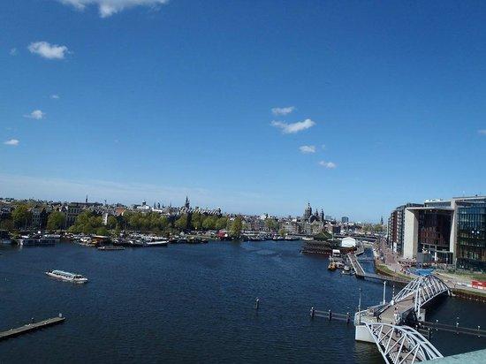 NEMO Science Museum : Вид с крыши NEMO на Амстердам