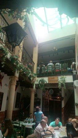 Bar Faustino : patio interior