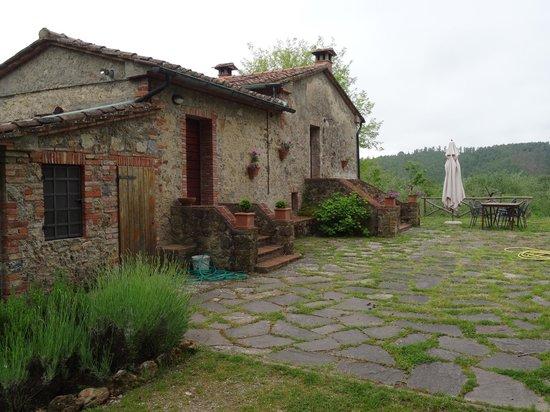 Podere di Santa Maria: Private patio area