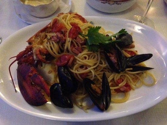 Al Chiaro Di Luna: Pasta with lobster and shellfish! Delicious!