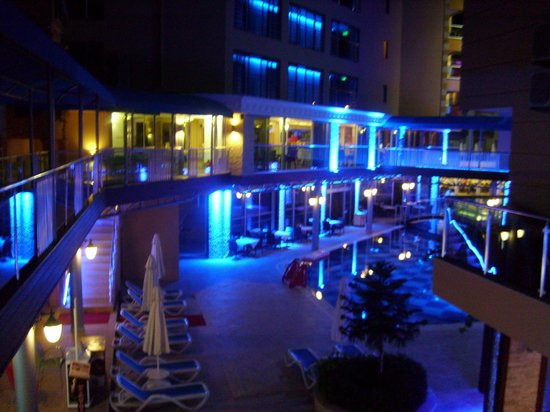 Tac Premier Hotel and Spa: night time shot